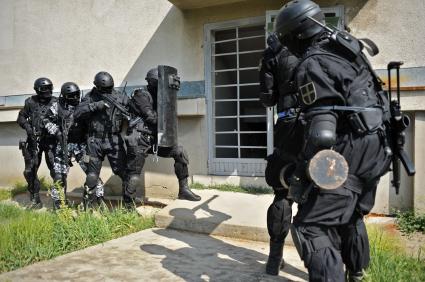 SWAT Police Raid