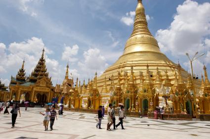 Pilgrims in Shwedagon Pagoda complex