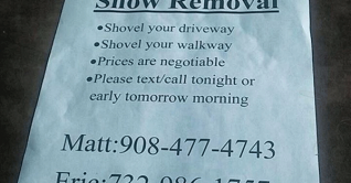 Teenagers-shoveling-snow