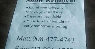 Teenagers-shoveling-snow