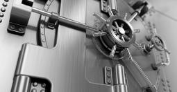 RS4532_600x313_RS4531_bank_vault_door